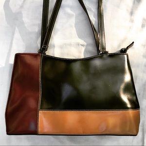 BAG SALE: Vintage vegan color block shoulder bag